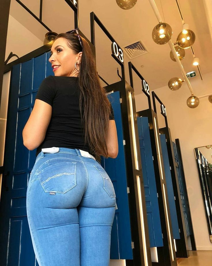 fuck-pants-big-booty-girl-in-jeans-gets-poked-with-dick-twins