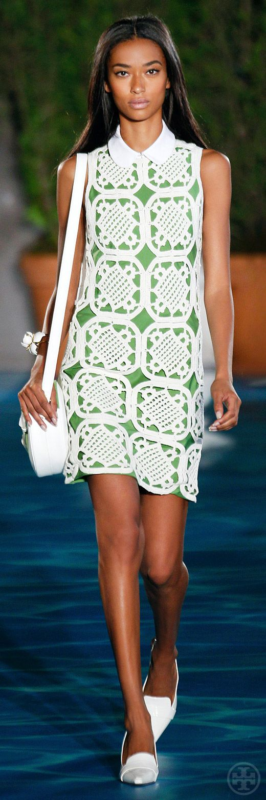 Tory Burch Spring 2014: Look 14  this dress is made up of a few crochet venitian squares!!!