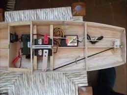 Risultati immagini per  barca a vela radiocomandata homemade