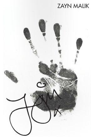 Twitter / 1Dneews: Zayn's handprint for the 1D ...