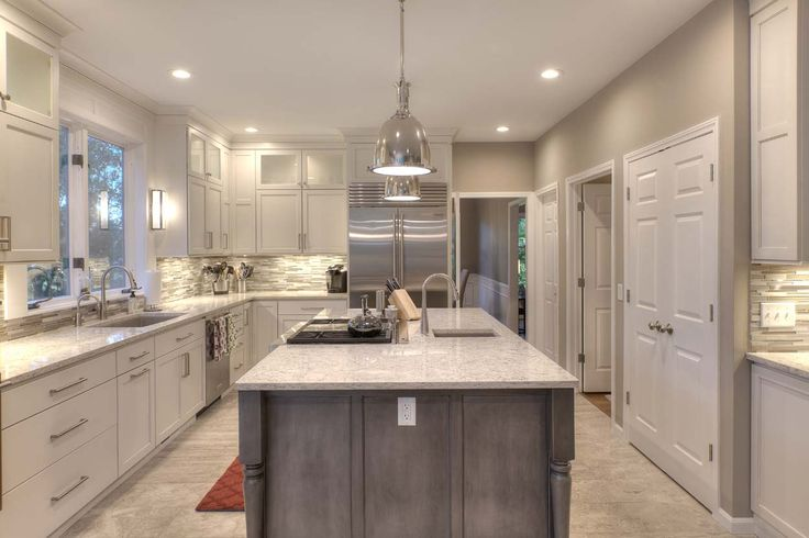 kitchen design traverse city a kitchen in traverse city michigan has so much going on 988