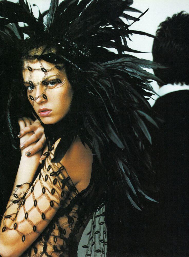 daneikamarch:    glamandvanity:  Angela Lindvall in 'Black Gold'  Photographer: Mario Testino  Dress: Jean Paul Gaultier Haute Couture F/W 2000/01  Vogue UK December 2000