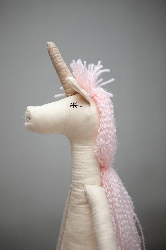 Nieuw! Unicorn Ragdolls: Vintage, gerecycleerde materialen, doek Doll, kinderen, Ragdolls, handgemaakte poppen doek, paard, magie, mythische