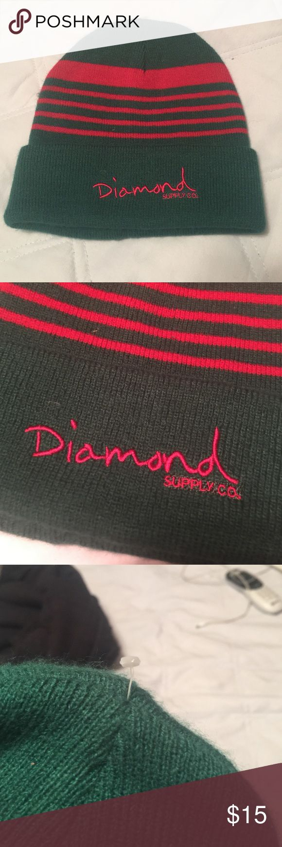Beanie Diamond supply company beanie. It's that time of year have to keep the heat in with this great little beanie. It is new without tags the price tag thing is still attached at top as shown in last pic. It is green with red stripes Diamond Supply Co. Accessories Hats
