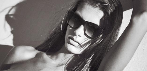 ph by Victoria Leites  Stylist: Ramiro Gimenez  Make Up & Hair: Fiamma Rufo para Mery Garcia Estudio  Model: Florencia Dieminger  Agencia: Civiles Management