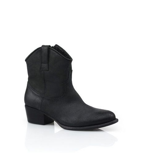 RMK - Horizon Black Boot  One of the most flattering styles of the season, these casual Western inspired ankle boots are crafted with deconstructed soft leathers that give gorgeous movement when you walk. Heel: 4.5cm. Leather upper, leather & synthetic lining, synthetic sole.     Was:$189.95 Now:$94.95