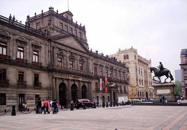 Palacio de Minería y Palacio de Correos