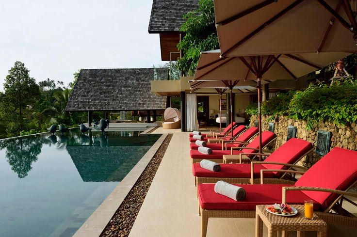 Set in lush greenery and with picturesque surroundings, Villa Avasara #kohsamui
