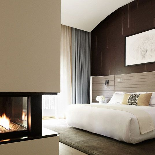 Hotel Bel-Air is an iconic 5-star LA luxury hotel in Los Angeles near Sunset Boulevard & Century City. Read hotel reviews & book online with Tablet Hotels.