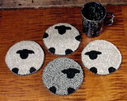 The Red Saltbox Flock Mug Mats Rug Hooking Pattern, think using felted wool would be easier