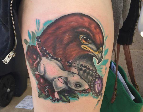20 Wunderschöne Falken Tattoos – Sie gelten als Boten