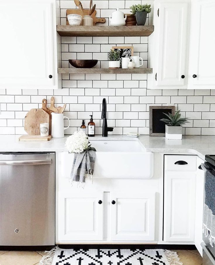 """7,457 Likes, 64 Comments - Better Homes & Gardens (@betterhomesandgardens) on Instagram: """"Fresh new year = fresh new kitchen! We're taking inspiration from @cynthia_harper_  Double tap if…"""""""