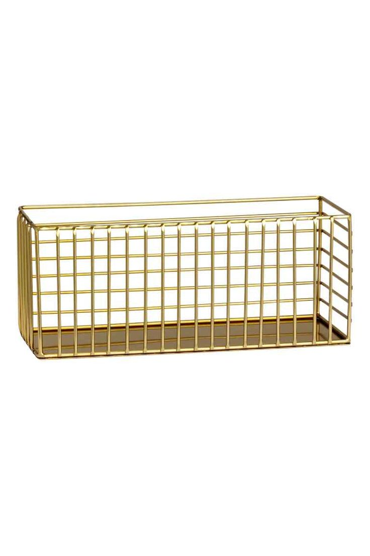 Basket in metal wire: Rectangular basket in metal wire. Size 9x10x24 cm.