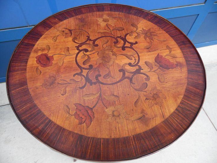 Tavolino da salotto intarsiato con fiori in noce e palissandro