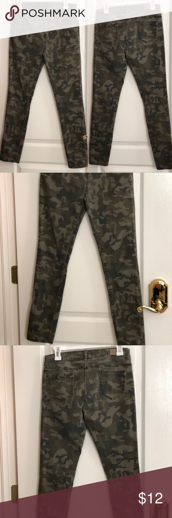 Denim Blvd Camo Skinny Pants - size 9 on tag  - 98% cotton 2% spandex  - approx 14 in waist when laid flat  - approx 9 in front rise  - approx 26.5 in inseam   In excellent condition super nice and comfy, I am selling all my pants (too bad they all doesn't fit me anymore) so I need to get new ones. Comes from a smoke and pet-free home.   - open for reasonable offers, bundle items so I can send you an offer. Thanks! Happy Poshing! Pants Skinny