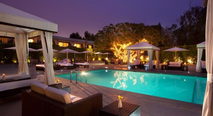 Luxe Sunset Boulevard Hotel Los Angeles Located along Los Angeles's Sunset Boulevard, this modern hotel is just a 6-minute drive from Jackie Robinson Stadium.  It features an on-site restaurant, and rooms with free Wi-Fi.