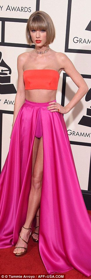 Taylor Swift and Kimberly Schlapman wear nearly identical dresses to Grammys 2016   Daily Mail Online