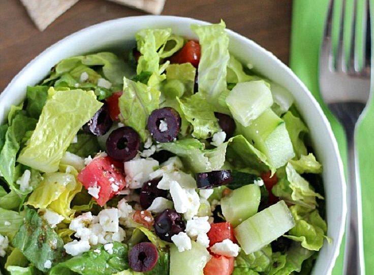 Оригинальный рецепт греческого салата с пикантным вкусом Пармезана. 🍴👍  #jamadvice #джемсоветов #салаты #рецепты #греческийсалат