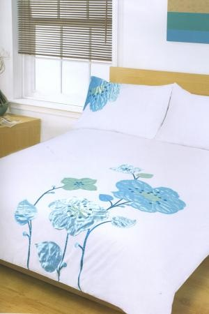 Annette Duck Egg duvet cover is a fresh mix of white and duck egg blue. http://www.harrycorry.com/annette-duck-egg-duvet-set. Browse duvet covers online at http://www.harrycorry.com