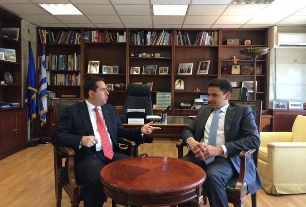 Ο Υφυπουργός Ανάπτυξης & Ανταγωνιστικότητας, κ. Νότης Μηταράκης, συναντήθηκε σήμερα με το συναθλητή του, κ. Νικόλαο Πέππα, υποψήφιο Ευρωβουλευτή με τη Νέα Δημοκρατία και αθλητή της Παραολυμπιακής Ξιφασκίας.