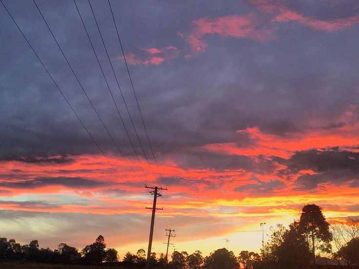 Another spectacular sunset tonight  #sunsets #countryliving #naturelovers #twigandmoss #huntervalley