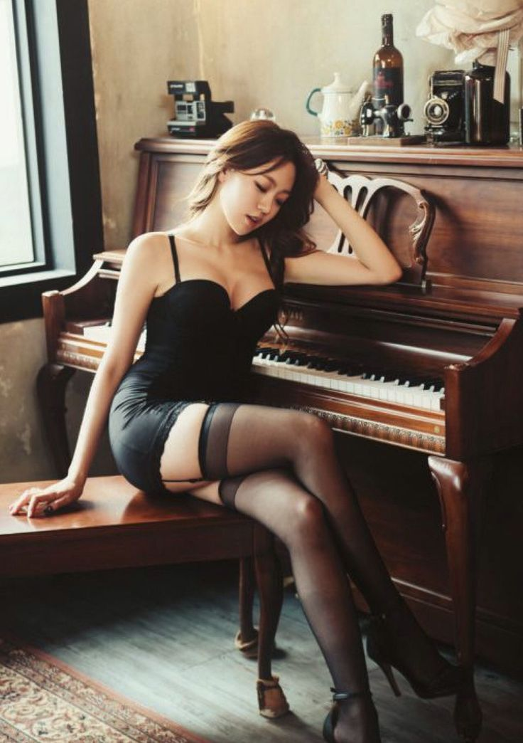 asian piano player