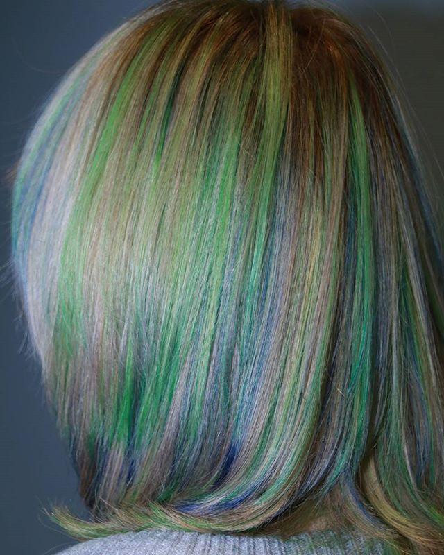 WEBSTA @ bonheur_pcs - #美容師#理容師#理美容師#ヘアーカラー #カラー#ウィービング#カラフル#haircolor #color #weaving #染色#クール系#マニックパニック #マニキュア#ブリーチ#ダブルカラー#ポートレート好きな人と繋がりたい #ポートレート