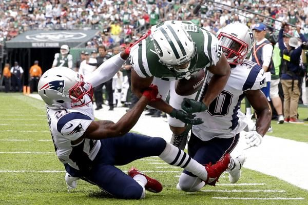 Austin Seferian-Jenkins had a four-yard touchdown catch called back in the New York Jets' loss to the New England Patriots.
