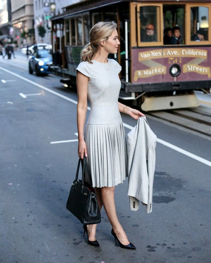 what-to-wear-to-an-interview-business-formal-suit-best-starter-work-wardrobe-essentials-jcrew-9am-super-120s-wool-dress-skirt-pants-jacket-grey-san-francisco-sf-fashion-blog-memorandum-mary-orton3