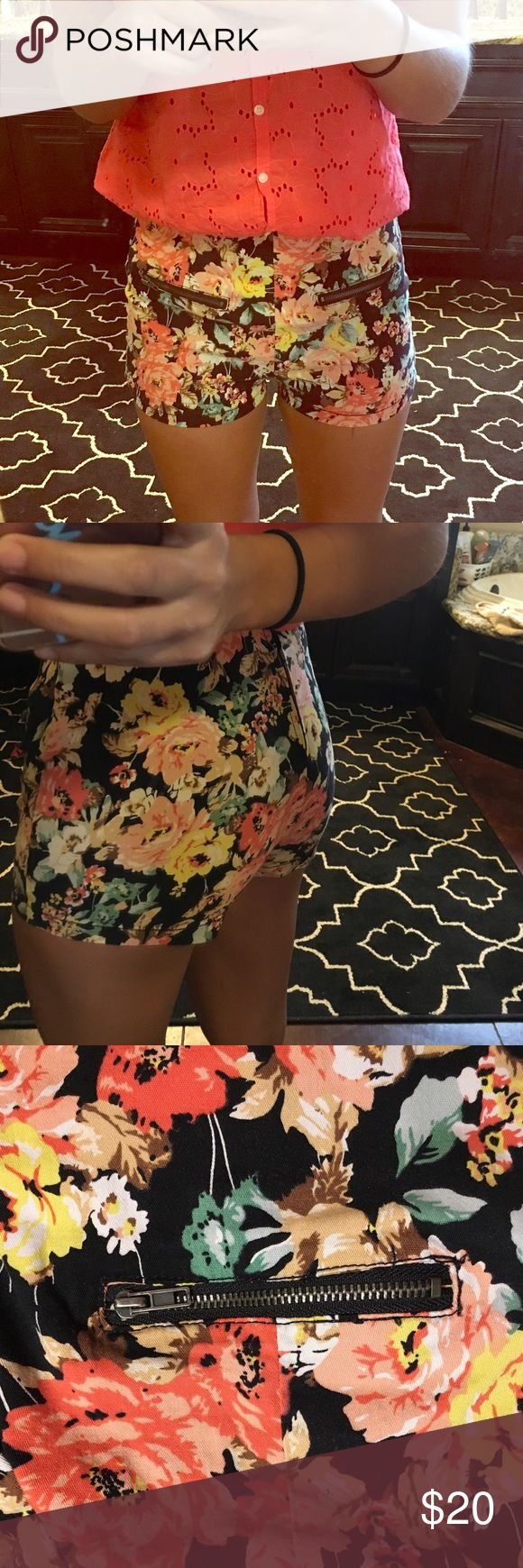 WOMENS floral shorts High waisted, size small but fits alittle snug on the thighs, zipper on back, very comfortable Mine Shorts