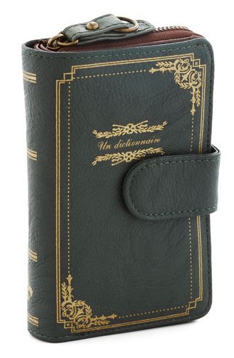 Un Dictionnaire Wallet | 17 Book-Inspired Accessories You'll Want Immediately