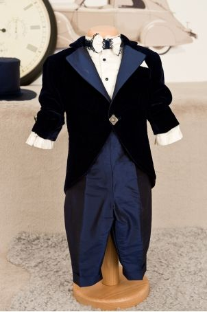 Elegant frock-coat suit for baby boys and toddlers, perfect for the Christening or other special occasions.  http://www.petitecoco.ro/shop/en/tres-chic/17-chester-suit.html