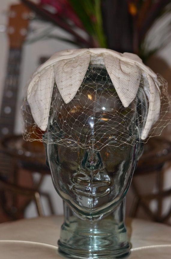 Vintage Estate Off White Fascinator Pompadour Veil Hat Wedding