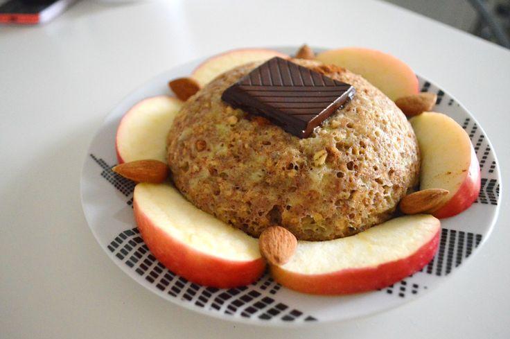 Envie d'un petit déjeuner rassasiant et rapide à faire ? Je vous livre la recette du fameux bowl cake !