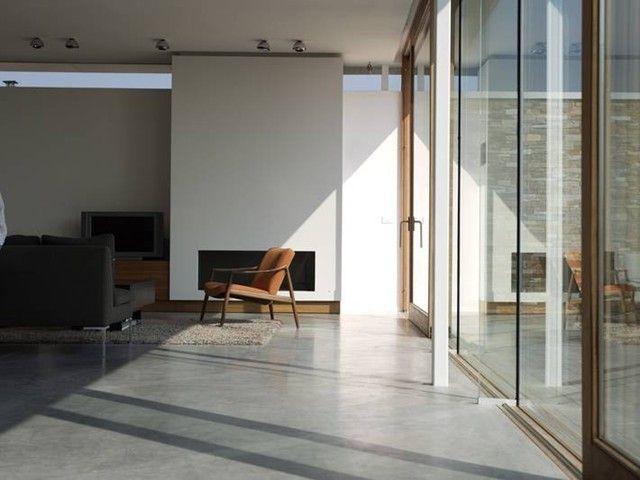 bij een betonvloer zitten de chape, vloer en afwerking allemaal in