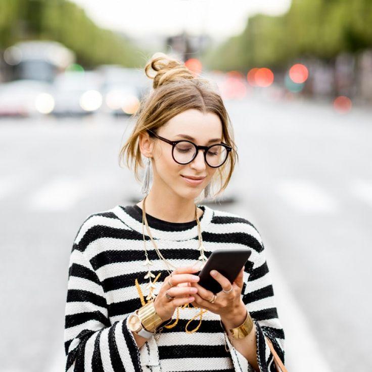 Wer neue Menschen kennenlernen möchte, landet nicht selten bei Tinder - zum Daten, Flirten, Chatten und zum Gedankenaustausch. Nirgends geht das so leicht wie hier...