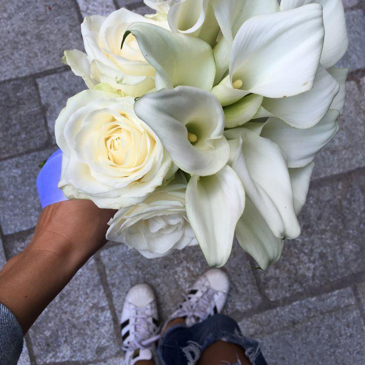 Bouquet da sposa, bouquet sposa calle bianche, fiori bianchi per matrimonio, allestimento fiori bianchi,