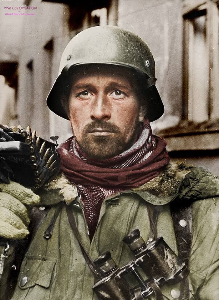A tired soldier from 2nd SS Panzer Corps staring into the distance after the retaking of Kharkov, March 1943. history only - no propaganda. —————— Un soldat épuisé du 2eme SS Panzer korps regardant Kharkov après la reconquête. Mars 1943. photo...