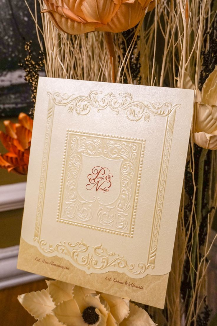 This is incredible! Great works by Bubble Cards http://www.bridestory.com/bubble-cards/projects/soft-cover-p-n