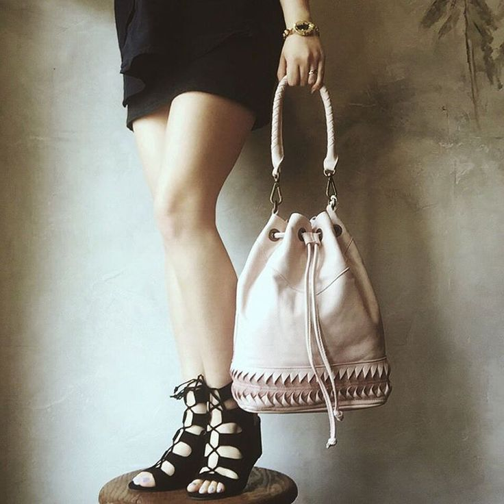 Soft pink / rose quartz bucket bag