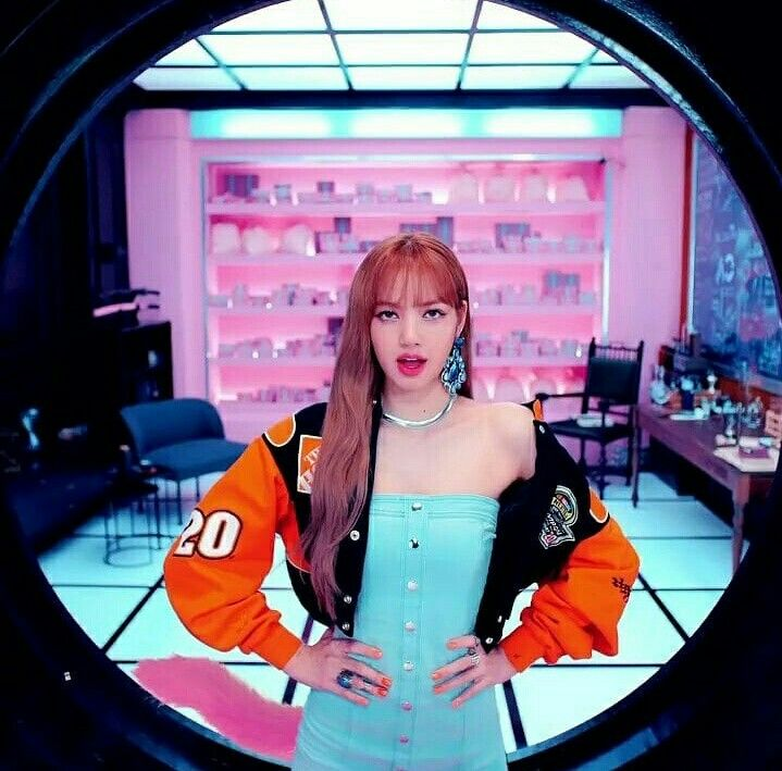 Swag Hot Lisa Blackpink Ddu Du Ddu Du Mv Blackpink Lisa Fashion Illustration Sketches Dresses Kpop Girls