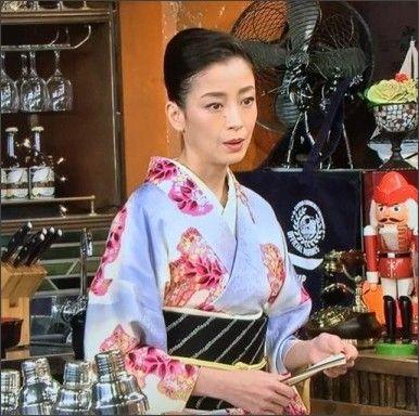 大正ロマン風 上品なバーのママ役 宮沢りえの着物の着こなしがステキ!