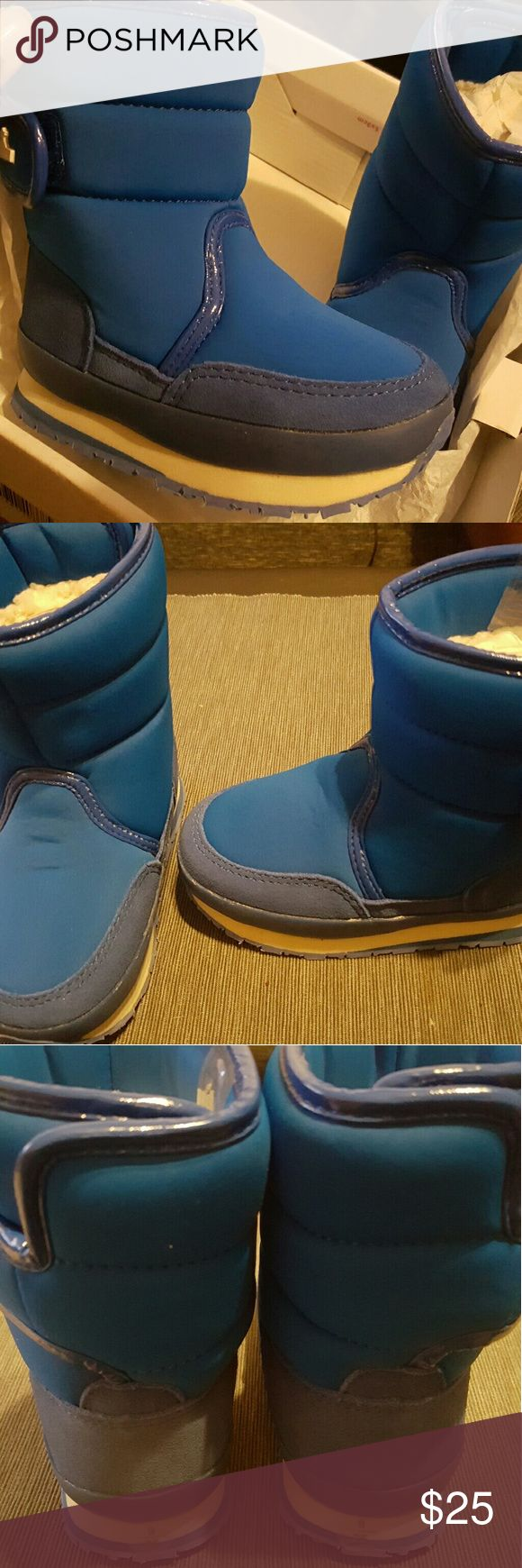 Kid Rubber Duck Brand snow boots New, never worn kid snowjoggers.  Size 9US(25EU). Rubber Duck  Shoes Rain & Snow Boots