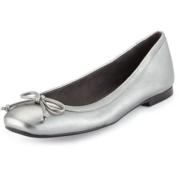 Stuart Weitzman Shoestring Metallic Ballerina Flat (26335 RSD) ❤ liked on Polyvore featuring shoes, flats, silver, metallic ballet flats, bow flats, leather ballet shoes, flat pumps and leather ballet flats