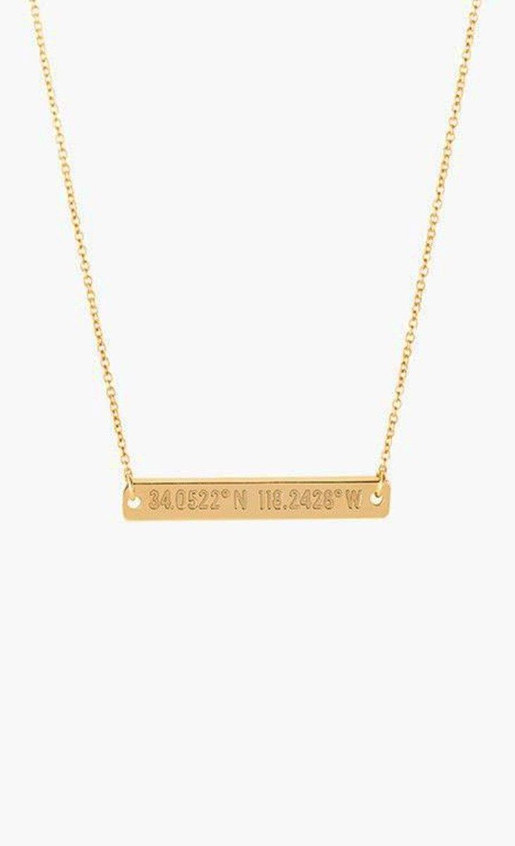 Bar necklace with the coordinates of your favorite location.