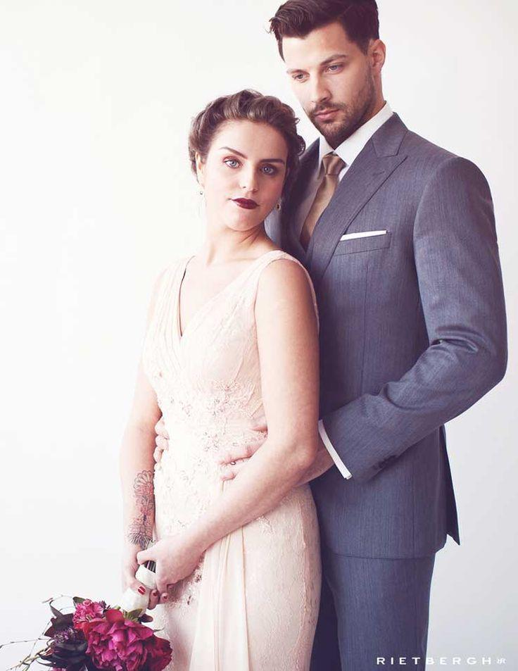 Grijs trouwpak op maat by Rietbergh trouwpakken - Grey wedding suit - grey suits - wedding - groom - groomswear - wedding outfit - classical - timeless - elegance - love