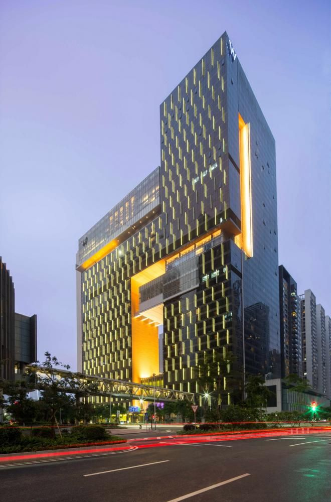 W Guangzhou Hotel & Residences, Pearl River New Town, Guangdong, China. Rocco Design Architects. Photo: Liky Lam.