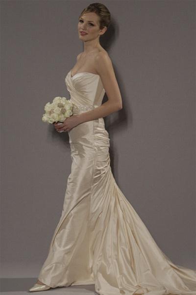 18 best Romona Keveza Gowns images on Pinterest | Wedding frocks ...