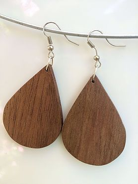 Creadivas Creatips                                 Aretes de madera de nogal | Houten oorbellen Walnoot | Walnut earrings hand made | Jewlery |  Nadia R.