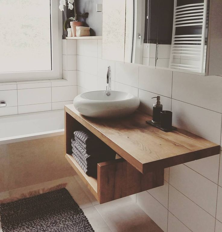 Unser Waschtisch in Eiche Altholz er ist noch nicht auf der Website, kann aber ganz einfach über media@pastarro.at bzw. per Telefon unter 0043 699 13176300 bestellt werden. So wie ihr ihn hier seht (Breite 120 cm) kostet er 850 Euro. Lieferung ist in Österreich gratis! #pastarro #design #interior #tischler #schreiner #carpenter #bio #ökologisch #nachhaltig #igersaustria #sustainable #organic #massivholz #solidwood #wooden #waschtisch #altholz #eiche #washstand